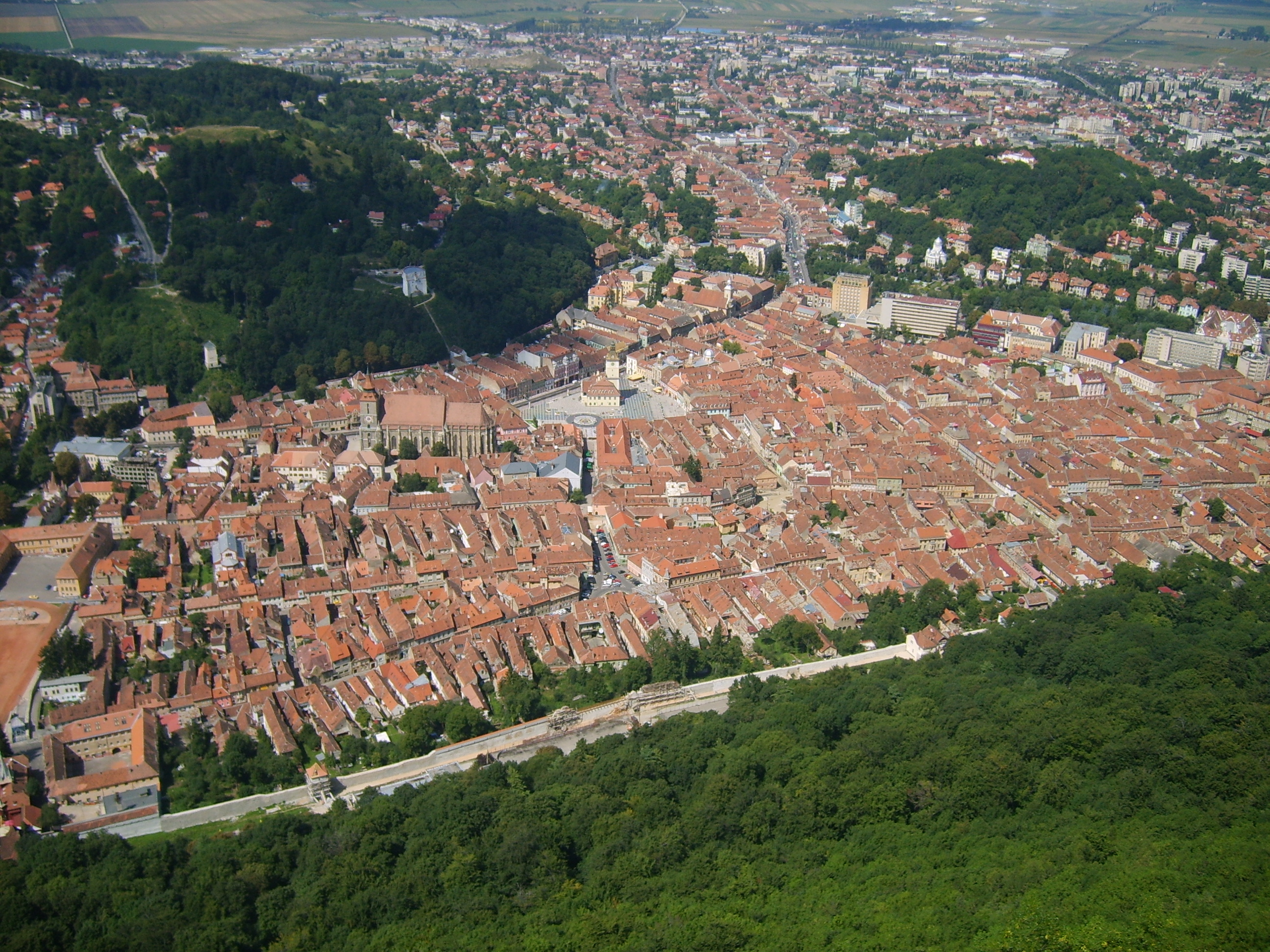 Brasov_view_from_the_top_of_the_hill
